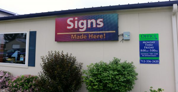 Sign products made and sold by Lende Signs.